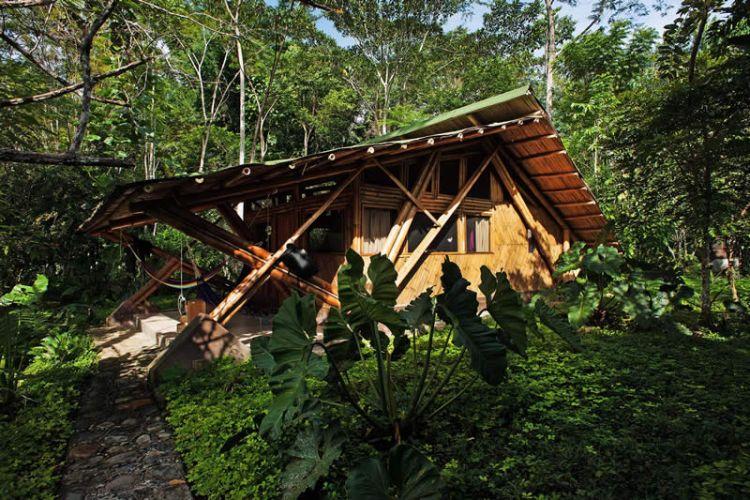 Cabaña de los triángulos de bambú
